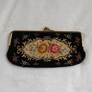 Vintage Floral Embroidered Gold Clasp Coin Pouch